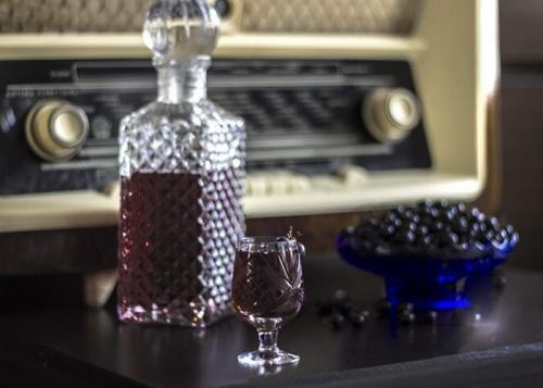 Как сделать настойку из сока. Как правильно приготовить наливку из натурального сока вишни